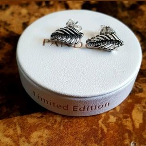 Pandora shimmering feathers stud earrings
